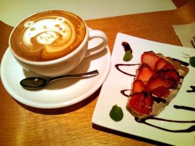 日本橋CAFEST チョコとベリーのタルト+カフェラテ