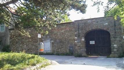 れおぽるつぶる区の城門