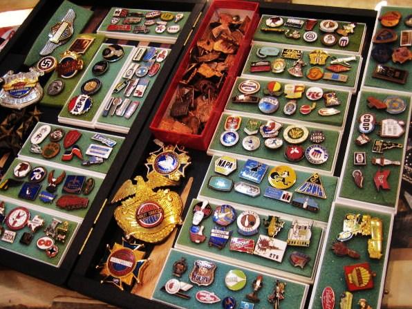 vintage-pins.jpg