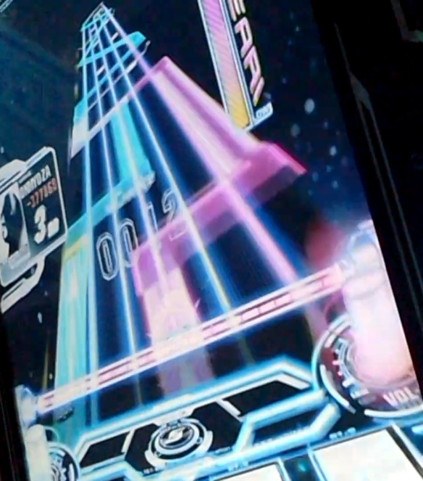 SOUND-VOLTEX-BOOTH-恋する宇宙戦争3