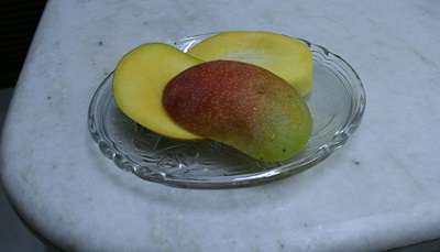 sindoor-mango2_20130510005859.jpg