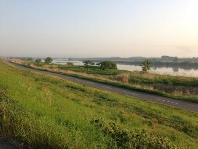 早朝の利根川2-1