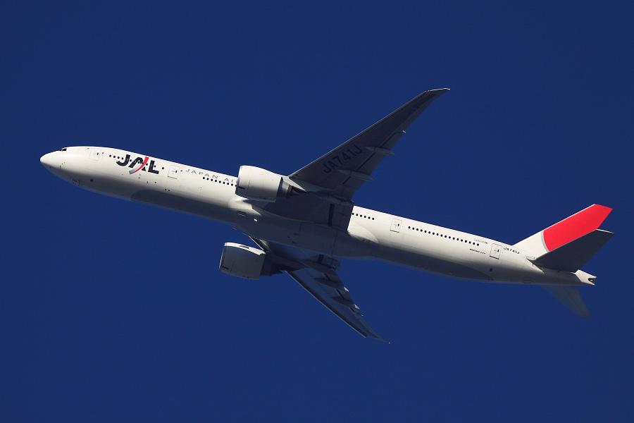 JAL B777-346ER / JAL3002 (JA741J)@自宅前