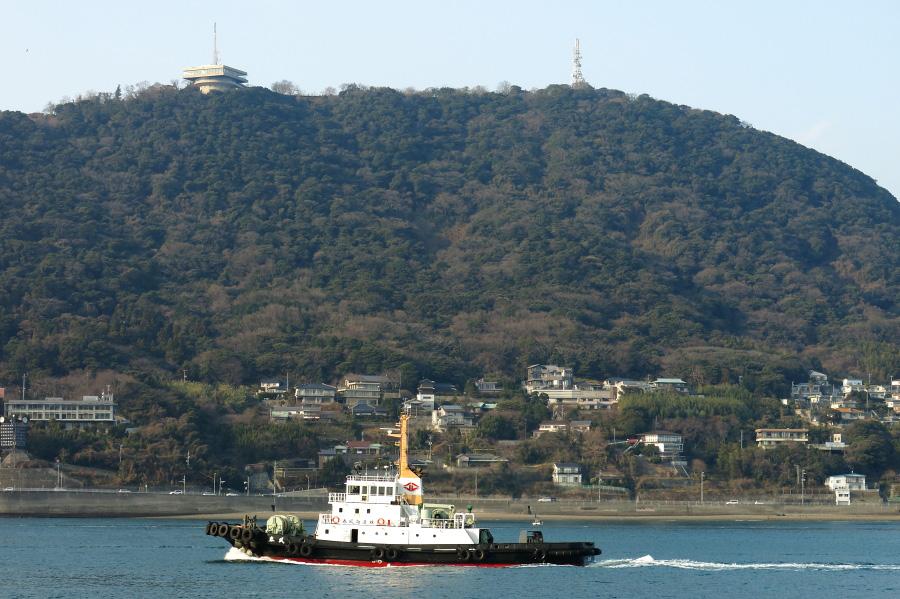 下関火の山とタグボート@和布刈(めかり)公園