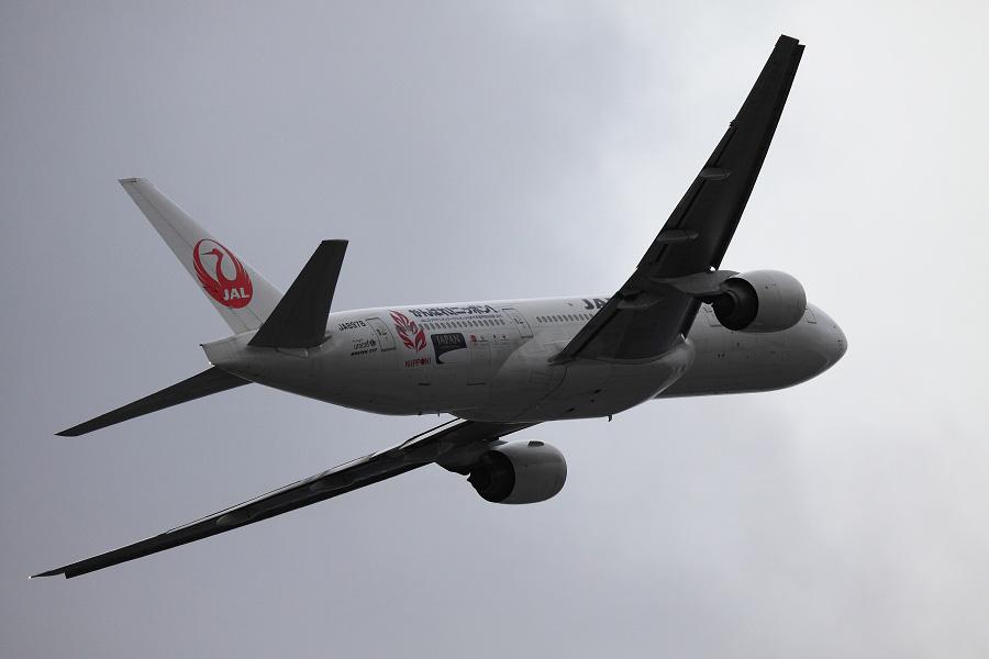 JAL B777-289 / JAL124 (JA8978)@下河原緑地展望デッキ