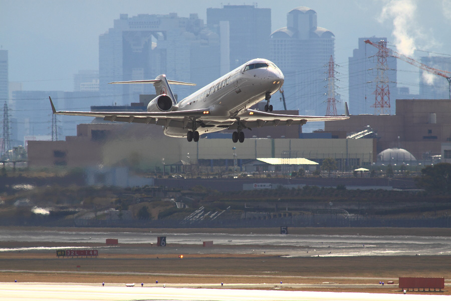 J-AIR CRJ-200ER / JAL2173 (JA204J)@下河原緑地展望デッキ