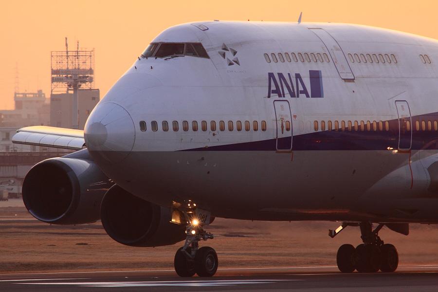 ANA B747-481D / ANA9005 (JA8961)@RWY14Rエンド・猪名川土手
