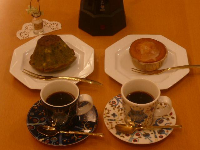 抹茶クグロフとレモンマドレーヌ