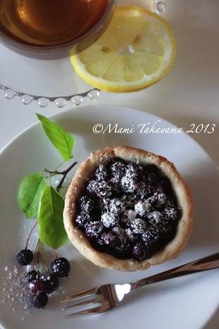 juneberrytartlet1.jpeg