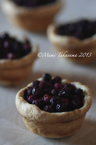 juneberrytartlet2.jpeg