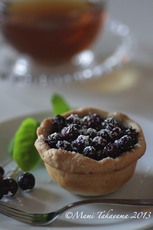 juneberrytartlet3.jpeg