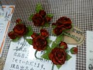 深紅の薔薇のコサージュ