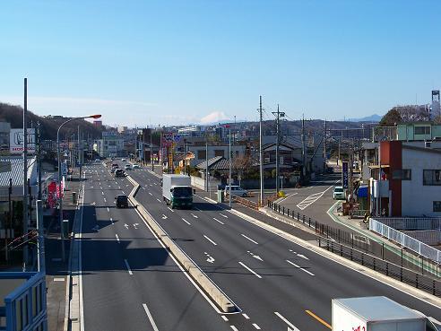 国道16号鵜の木歩道橋の上から見た富士山@狭山市A