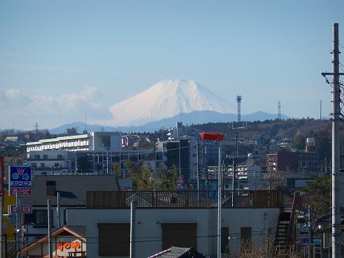 国道16号鵜の木歩道橋の上から見た富士山@狭山市B