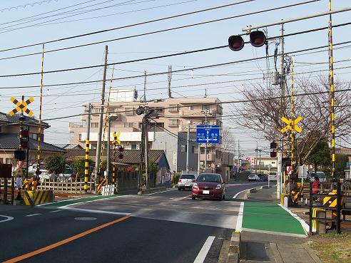 西武池袋線の武蔵藤沢第2踏切道@入間市A