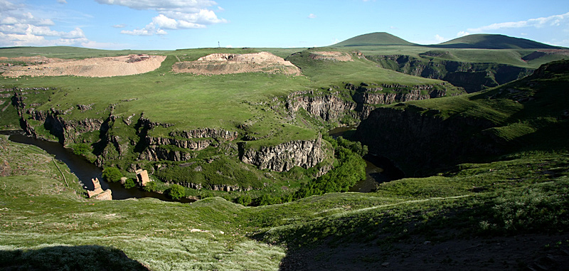 07アニ遺跡アルメニア国境2009