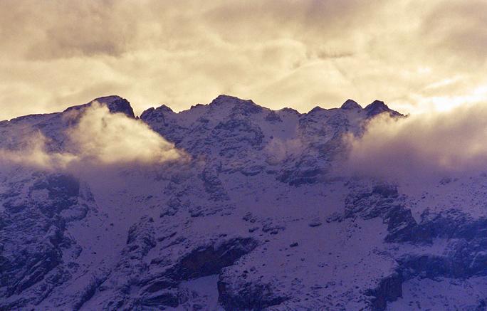 09ハッカリの山々1999