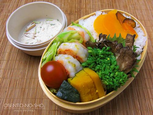春キャベツと海老の柚子胡椒炒め弁当01