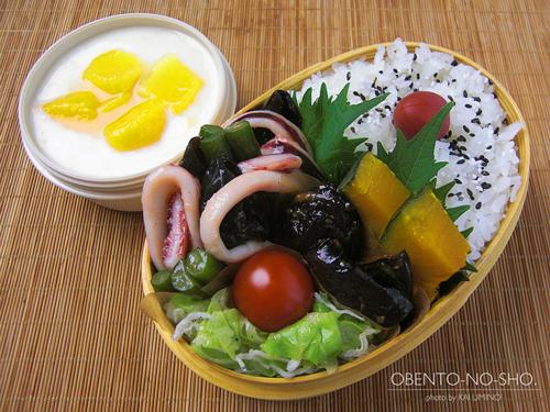 イカとにんにくの芽の塩炒め弁当01