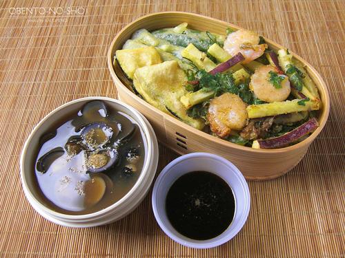 秋のかき揚げ丼としじみ汁弁当01