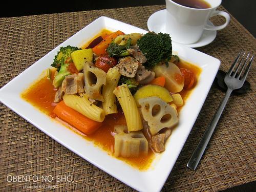 野菜と塩豚のパスタのおウチご飯