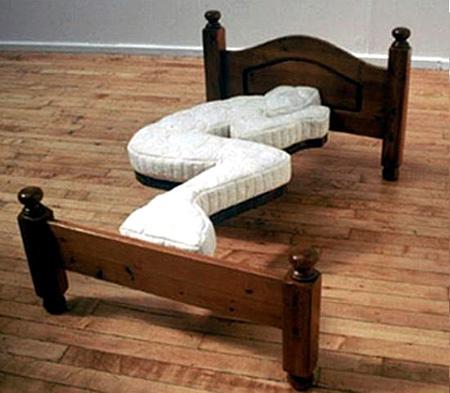 寝返り禁止ベッド