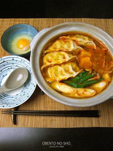 手抜きキムチ餃子鍋のおウチご飯