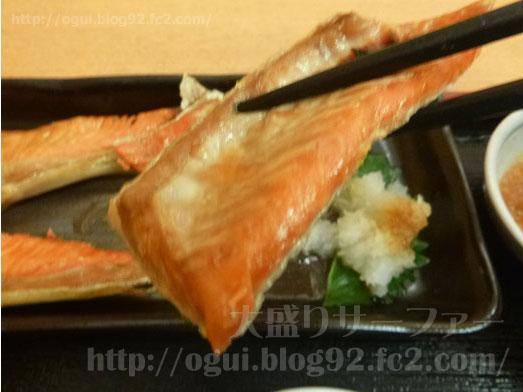 函館どんぶり横丁朝市食堂でどんぶり定食031