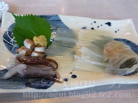 函館朝市食堂ニ番館の500円海鮮丼とイカ刺し028