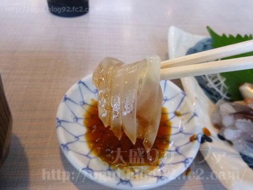 函館朝市食堂ニ番館の500円海鮮丼とイカ刺し031