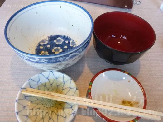 函館朝市食堂ニ番館の500円海鮮丼とイカ刺し034