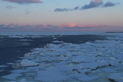 夕日と流氷2