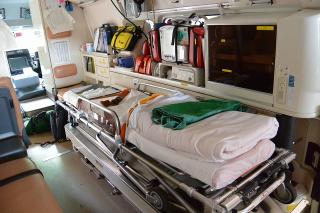 高規格救急自動車 中救急1号車 トヨタCBF-TRH226S