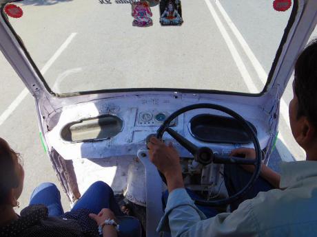 20130309minibus.jpg