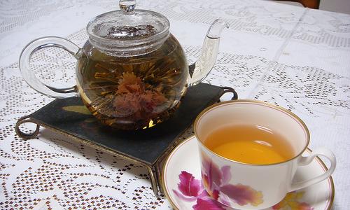 2008カーネーションの工芸茶