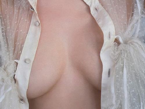 川村ゆきえ(27)が乳首まであと一歩