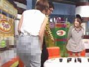 『確信犯?AKB篠田麻里子が尻とTバック透け透けで番組に登場!これは放送事故なのか?』