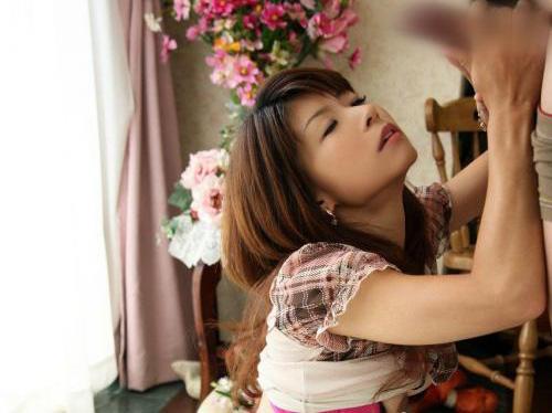 【三次】女の子が手コキや足コキしているエロ画像