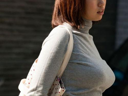 【三次】思わず欲情してしまう素人娘の街撮り画像part2