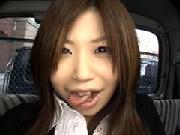 新宿の消費者金融ATMから出てきたお金に困ってそうな素人を