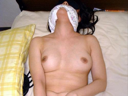 素人女性がオナニーに夢中になってる姿がエロすぎるwww(画像30枚)