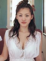 今でもまだ綾瀬はるかのエ口さが理解できないやつなんているの? (画像)