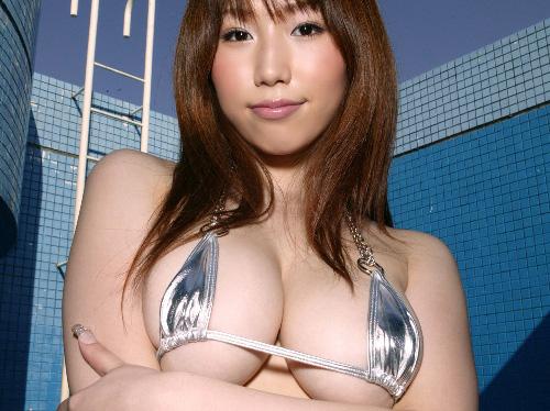 【さんかくビキニ】 おっぱい大きいから水着からこぼれちゃう♪ エロ画像30枚