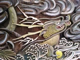 龍の木彫り