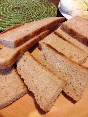 ファッロ全粒粉の自家製パン