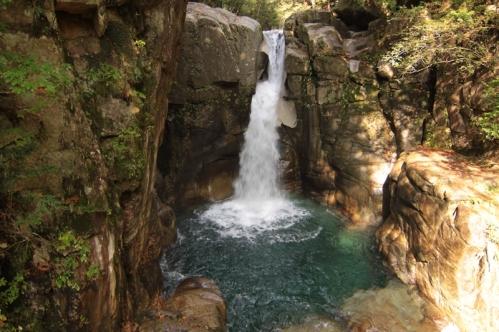 竜神滝近景