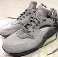 nike-air-huarache-cool-grey-1.jpg
