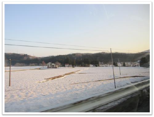 車窓からは雪