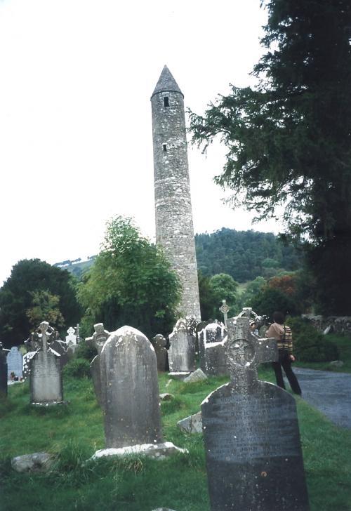タワーとお墓