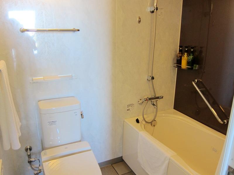 ベッセルホテルカンパーナ沖縄 バスルーム